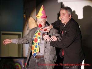 Conférences! Démonstration comique du magicien, Robert Kurylo, le pickpocket professionnel en spectacle et animation à Montréal, Québec