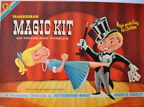 Biographie! Jeu de magie reçu en cadeau à noël par le magicien Robert Kurylo, le pickpocket professionnel en spectacle à Montréal, Québec