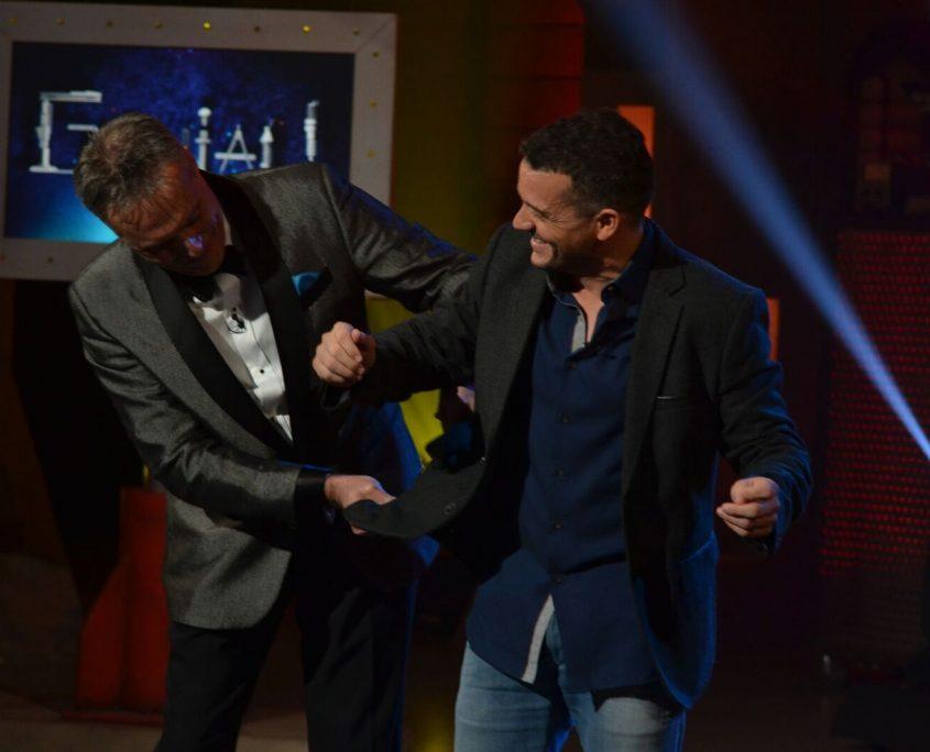 Le pickpocket professionnel Robert Kurylo en pleine action avec Patrice Bélanger